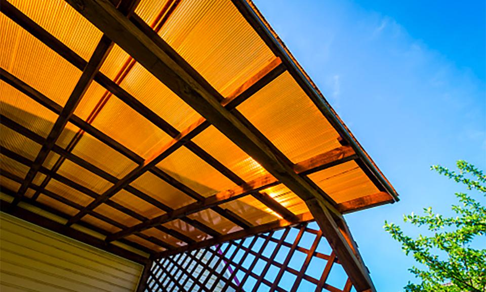 Apa itu Atap Plastik dan Kegunaannya?